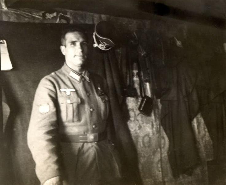 Capitán García Albea en el puesto de mando del II Bón. del 269. Witka. 1942