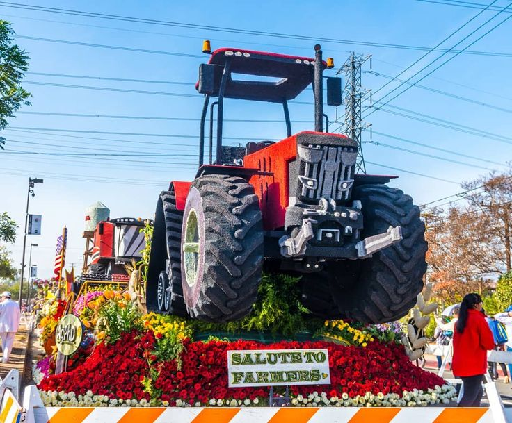 More  Rose Parade Floats in Pasadena. Did not go to the Parade but went to see the floats today.           #sonya6300 #sony #sonyphotography #a6300 #sonyalpha #sonyimages #roseparade #floats #pasadena #newyearsparade #losAngeles #roses  #bestparade #rosebowl #parade