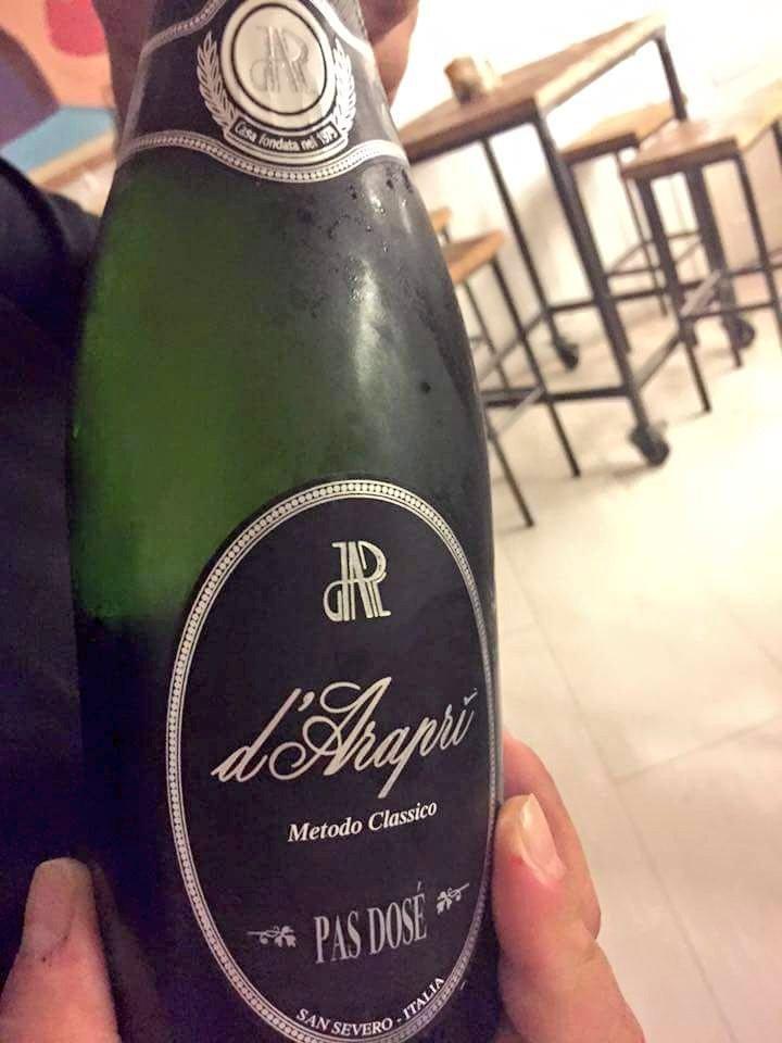 """A volte basta """"poco"""" per chiudere in bellezza! Cin! @dArapriSpumanti #vino #spumante"""