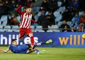 Yannick Carrasco Abaikan Ketertarikan Chelsea