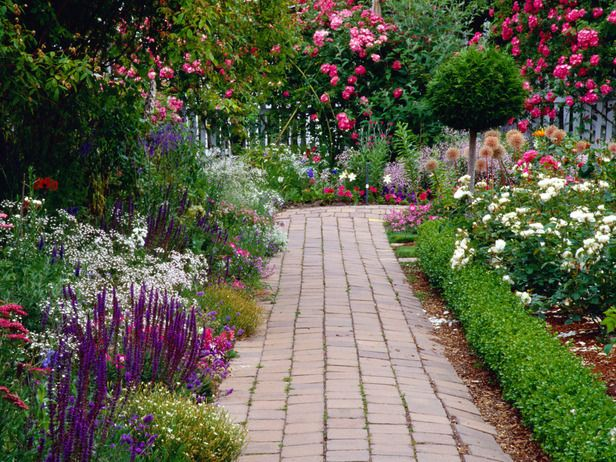 I love gardens that look wild rather than perfect :)