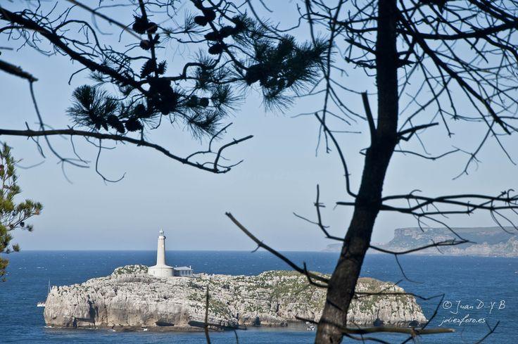 Isla de Mouro vista desde la Península de la Magdalena