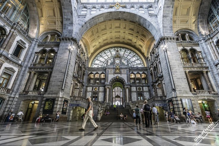 Вокзал Антверпена - главный зал (Antwerpen Centraal), построенный в 1905 году - одно из красивейших зданий Европы Antwerpen Centraal Belgium https://gotro.ru/europe/belgium/antwerp/2017/antwerpen-centraal/