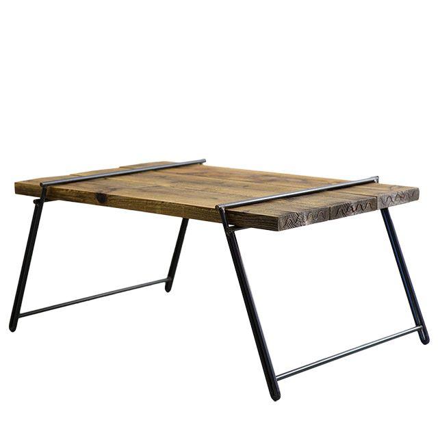 - Dichotomic / ディコトミック- が製作・販売を行う、【 工具不要 】足場板古材ローテーブルの商品ページです。「アイアン脚に天板を差し込むだけ」というとても簡単な作業で組み立てることがローテーブルで、室内のリビング用ローテーブルとしてはもちろんですが、野外のキャンプやバーベキューといったシーンでも活躍してくれうテーブルです。誰でも組み立てることができる利便性は、様々な場所で活躍してくれます。