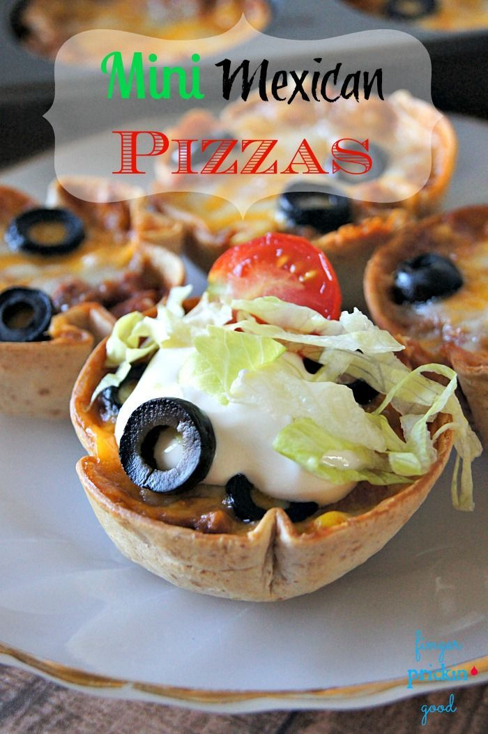 Don't you just love meals that make nice and neat little individual portions that you can pick up and eat with one hand? If so, you'll love these Mini Mexican Pizzas!        On busy school nights, simplicity is what I'm after when I plan meals. It ne