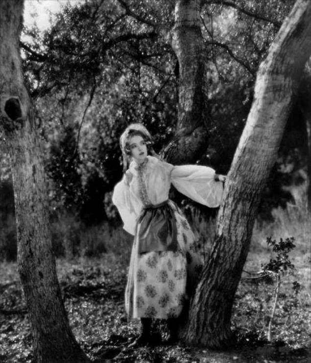 Lillian Gish in La Boheme, directed by King Vidor, 1926