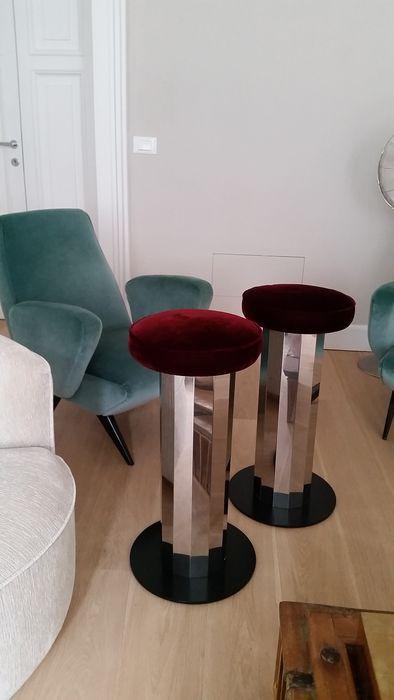 Onbekende ontwerper 2 x barkrukken  EUR 15.00  Meer informatie