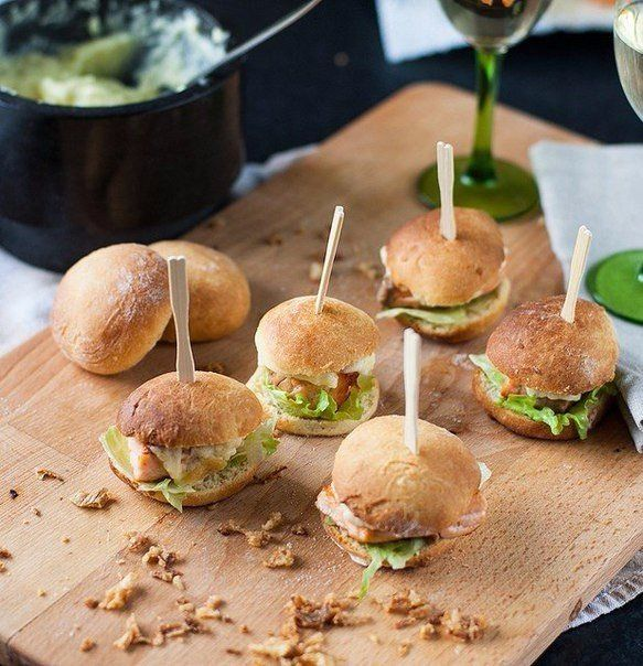Mini burgers with salmon!