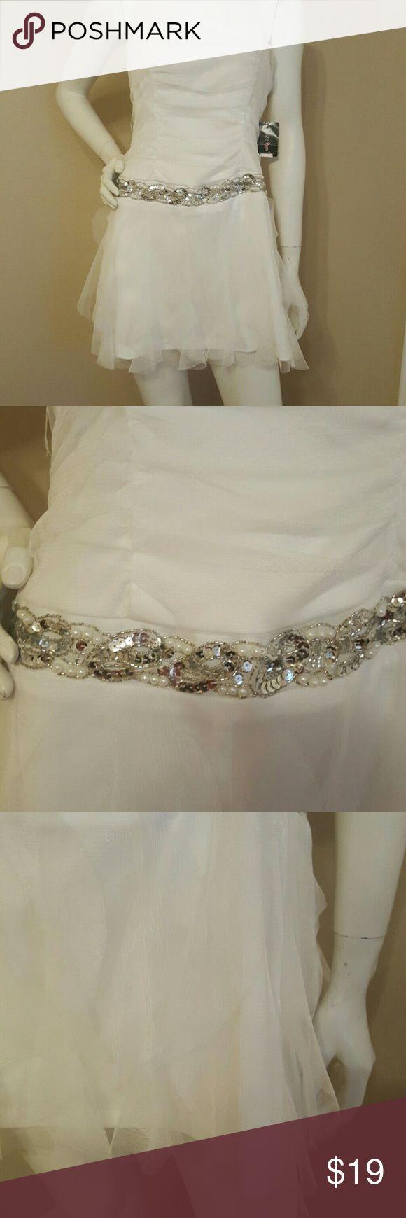 Junior white coctail party dress size 9 Brand new white dress Teeze Me Dresses Mini
