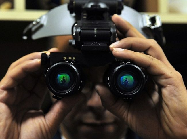 How Does Traditional & Digital Night Vision Work  Read full article:https://outdoorempire.com/how-night-vision-works/  Night vision can turn a cold black world into a green or gray world of light and shadows. Military movies and television shows popularized it and is currently a general issue to every unit going to a combat zone.  Night vision devices have seen a rise in popularity as theyve become more affordable over the last few years particularly since the global war on terrorism spurred…
