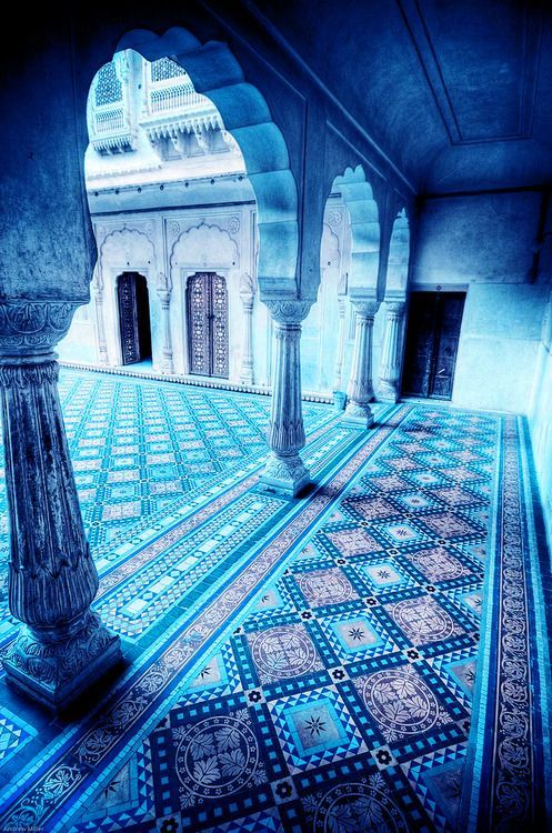 Tangled up in blue…. beautiful Morocco!