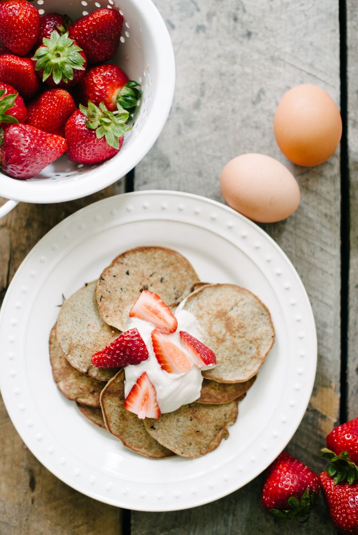 2 Ingredient Pancakes  via the Simply Real Health Cookbook // www.simplyrealhealth.com //