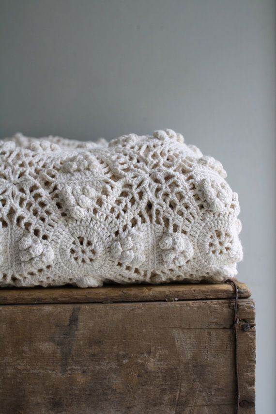Amazing handmade vintage / antique cotton crochet coverlet ...