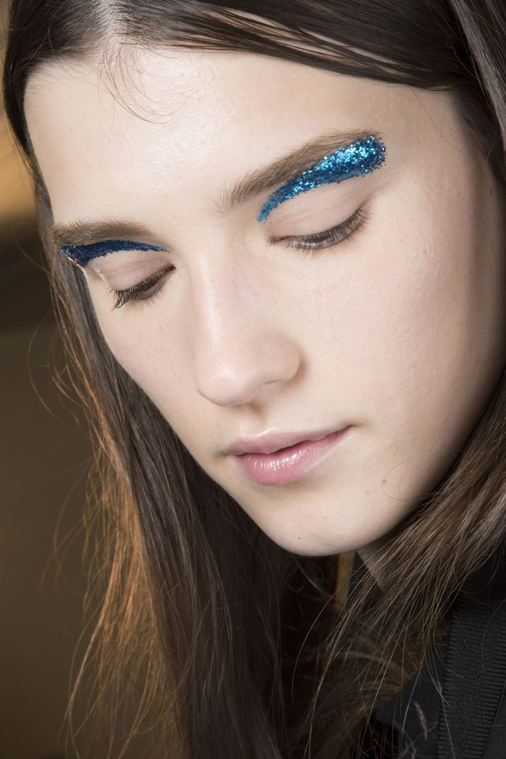 pictures This Is Falls Most Unexpected Makeup Trend