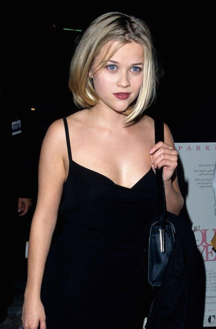 A young Reese Witherspoon found blunt-cut perfection in the '90s