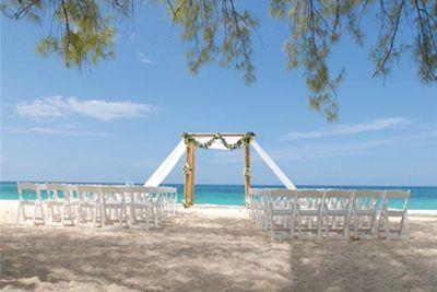 Cruise ship wedding is just the cherry you need on your wedding cake #CruiseWeddingPackages #CaymanWeddings