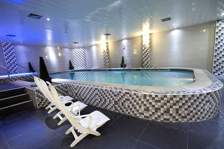 Buy Lancashire Spa Break for 2, Breakfast, Dinner & Wine UK deal for just £75.00 £69 (at the Best Western Oaks Hotel) for an overnight stay for two people with a two-course dinner, bottle of wine, leisure access and breakfast - save up to 49% BUY NOW for just £75.00