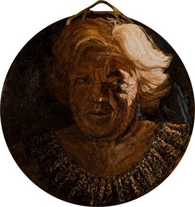 Barbara Gatti Cocci - Titolo - Regina madre - olio,coroncina, orecchino e pizzo dorato su tavola - diametro cm 48 - anno 2010