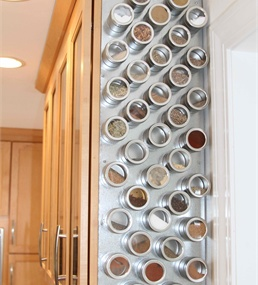 Learn how charline customized her kitchen spice rack - Estanteria especiero ikea ...