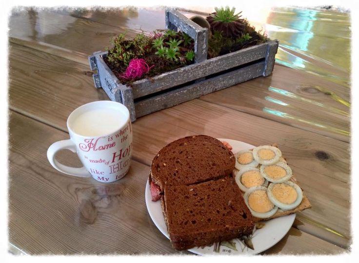 Een broodje op terras...