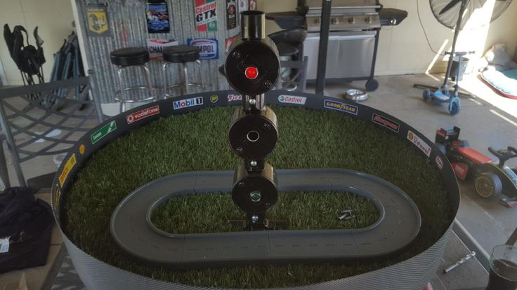 Cable reel race track - speedway track