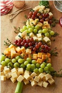 Christmas tree cheese platter....me likey
