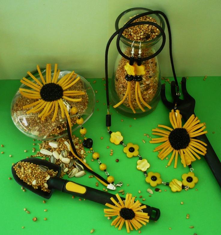 """""""(Sun)FLOWER-POWER...""""- set, colier, brățară, cercei și inel (Concurs """"Breslo Boemie"""") (165 LEI la aigile.breslo.ro)"""
