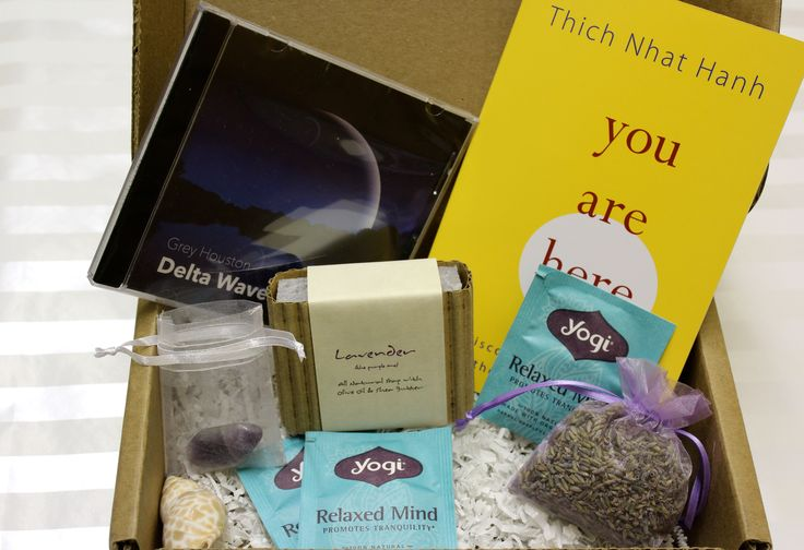 My #calmbox arrived in the mail. Check out my review of the #subscriptionbox.