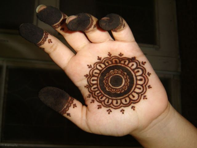 Easy Mehndi Design for Kids hands | Beautifull and Latest Mehndi Design | Dresses Design for Gilrs 2012-2013 Collection