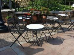 Terrazas Estilo Vintage De Hosteleria Con Mobiliario De Dadra Mesas Con Marmol Decoracion De Exteriores Muebles De Estilo
