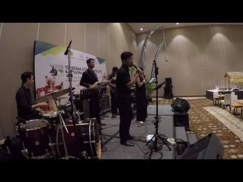 GLO Band Bali at BNDCC, Nusa Dua - YouTube
