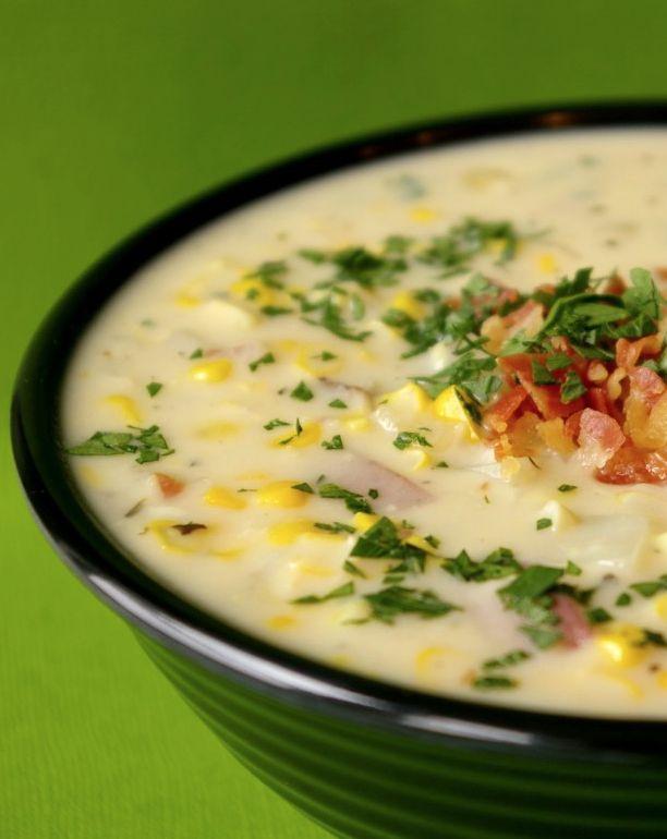 Para que você se aqueça nesse outono e inverno e se jogue na cozinha para mostrar o que sabe quando o papo é sopa, vamos compartilhar com vocês 3 receitas gostosas e desafiadoras!