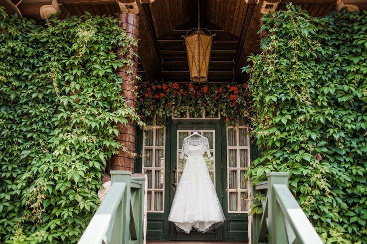 идеальное платье невесты, на поиски которого каждая невеста тратит такое большое количество времени и в результате находит свое единственное свадебное платье! perfect bride in search of every bride who spends a lot of time and as a result finds only a wedding dress!
