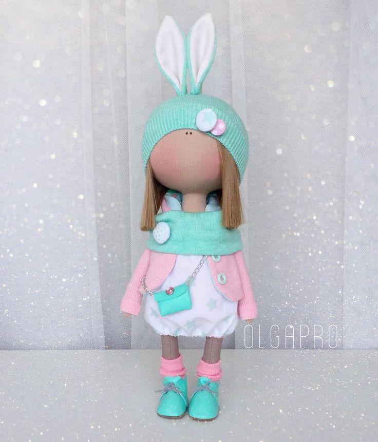 Малышка в наличии 🌸 АКЦИЯ ПО МАСТЕР КЛАССАМ ДО 22.01.17!!! ВСЯ ИНФОРМАЦИЯ В ПРЕДЫДУЩИХ ПОСТАХ✨  #мастеркласс#мк#кукла#ручнаяработа#handmade#textiledesign#dollmaker#набордлясозданиякуклы#доченька#девочка#ткань#doll#вязание#кукланазаказ#трикотаж#хлопок#творчество#маманастиле#пуговицыизткани#amigurumi#amigurumitoy#paolareina#crochetdoll#fabricdoll#interiordoll#кукланазаказ#фатин#блайз#blythe