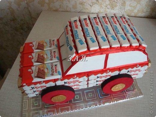 Свит-дизайн День рождения Машина из конфет Киндер-сюрприз фото 4