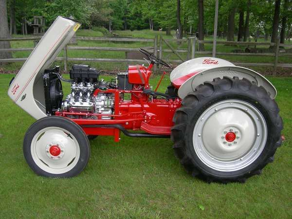 Ford 600 Tractor Hood : He formed henry ford and son in dearborn michigan