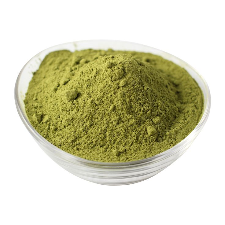 Henna powder to strengthen hair and add shine