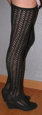 Ravelry: Bas dentelle - Lace stockings pattern by Myriam CORBET