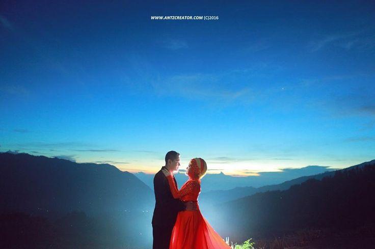 From the #prewedding of A&C Photo by @Arifikrul #antzcreator red gown by @rajabnurhadi Makeup by @veroliamarta #sunrise #bromo #bridetobe #engagement #prewed #wedding #weddingdream #weddinginspiration #bridestory #weddings #weddingku #weddingideas #pernikahan #preweddingphoto #weddingphotographer #weddingseason #weddingmalang #hijabers #weddingbali #weddingsurabaya #instawedding #preweddingmalang #preweddingsurabaya #preweddingjakarta #preweddingbali #preweddingphotography…