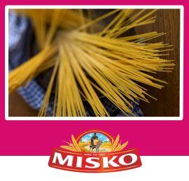 Σπαγγετίνη Νo 10 Misko με καρότο, αρακά και σάλτσα μελιού