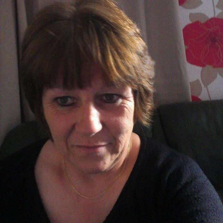 my auntie lost her fight to cancer <3 x x x