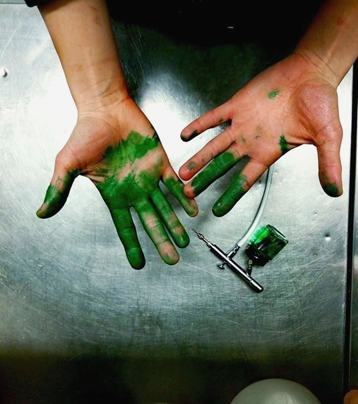 .... Happy New Year! #pastry #pastrylove #fail #green #gogreen #colour #handmade #enjoy #happynewyear #photo #calm #myjob #hulk #aerografia #savona #liguria #picoftheday