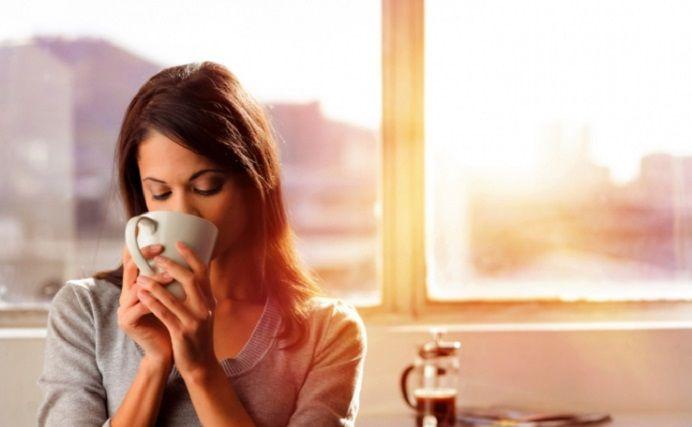 Daca faci asta dimineata cand bei cafeaua, vei fi mai sanatos