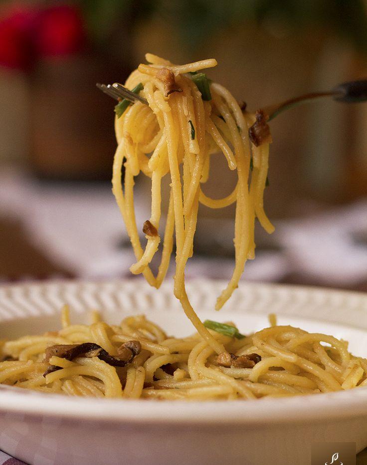 Mais uma receita especial para os fãs de cogumelo é essa de macarrão com shiitake.   11 receitas vegetarianas maravilhosas para viciados em macarrão