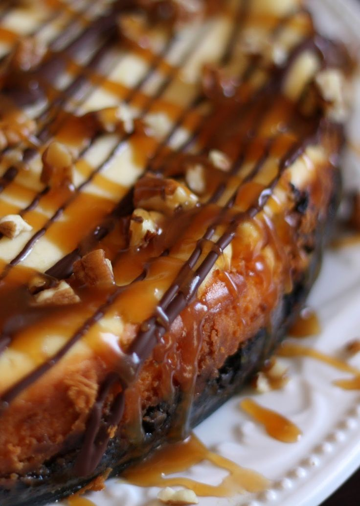 Barefeet In The Kitchen: Turtle Cheesecake with Caramel, Chocolate and Pecans