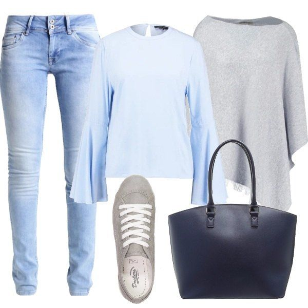 Look pratico e comodo con camicetta con maniche a campana abbinata a jeans slim fit, mantella ampia grigia chiara e sneakers. L'outfit si completa con la shopping bag blu con chiusura a cerniera e si adatta a tutti i tipi di silhouette.