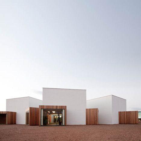 Lolita by Langararita-Navarro Arquitectos