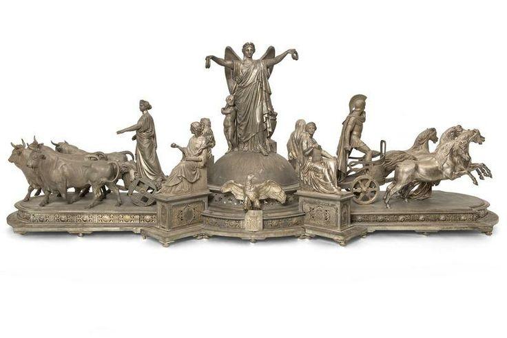 Pièce centrale de surtout [La France distribuant des couronnes de gloire] | Centre de documentation des musées - Les Arts Décoratifs