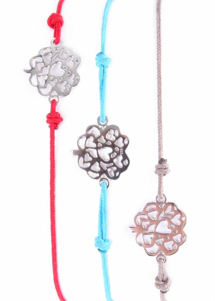 (http://www.notinthemalls.com/products/Tree-Heart-Charm-Bracelet.html)