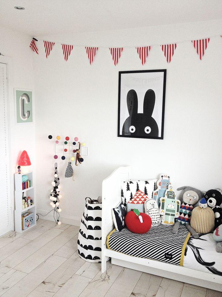 kids room, black + white + color | photo: (@artmarble) on Instagram; via fawnandforest.com